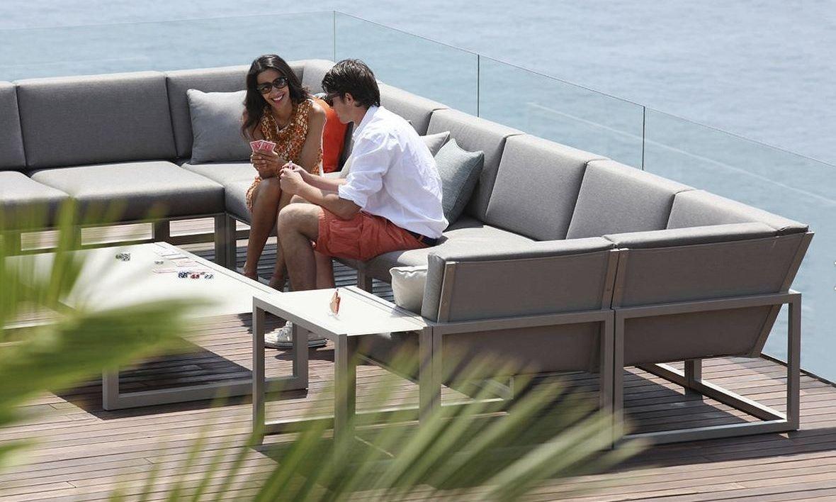 Moderno sofá de jardín con 6 plazas