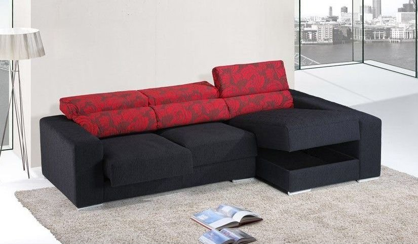 Sofá grande tapizado en piel sintética